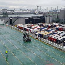 Logistika: DFDS keltas pakraunamas viename iš Roterdamo uosto terminalų.