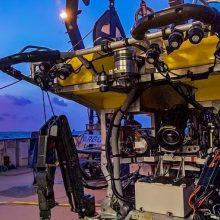 """Vandenyne: vakaro žaros laive """"Nautilus"""", kur naujo tyrimo laukia ir abu povandeniniai robotai."""