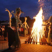 Kiek Lietuvoje Jonų ir kaip jie švenčia Jonines?