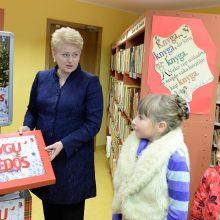 D. Grybauskaitė paskelbė knygų dovanojimo akcijos pradžią