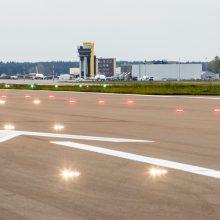 Kauno oro uoste nusileido dar vienas lėktuvas su apsaugos priemonėmis medikams