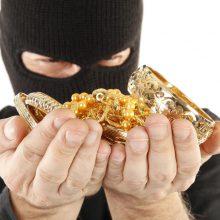 Vagys į butą užėjo parinkę raktą: dingo monetų ir aukso už 10 tūkst. eurų