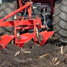 Raseinių rajone traktorius sužalojo vaiką