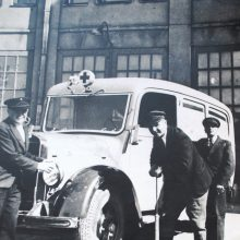 Sanitarinio transporto centras ugniagesių rūmuose, 1927 m.