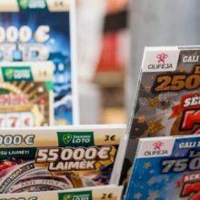 Vyras iš pardavėjos rankų pagrobė daugiau nei 20 loterijos bilietų