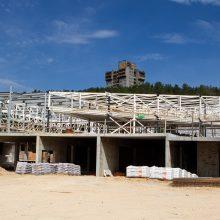 Baigti Lazdynų baseiną pretenduoja trys įmonės, pastatyti mokyklą Pilaitėje – septynios
