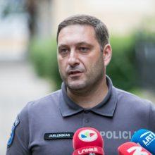 Policijos komisariate girtas vyras peiliu bandė sužaloti pareigūnę