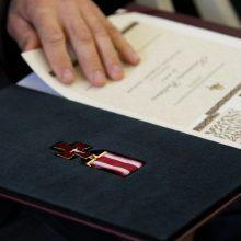Vasario 16-ąją prezidentas apdovanos iškilius kauniečius: du medikai pagerbti po mirties