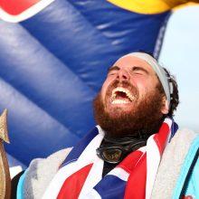 Rekordas: atletas per 157 dienas apiplaukė Britaniją