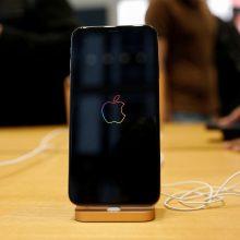 """EP ragina įvesti universalų telefonų kroviklį, """"Apple"""" priešinasi"""