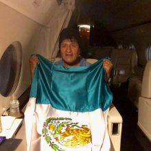 Atsistatydinęs Bolivijos prezidentas išskrido į Meksiką