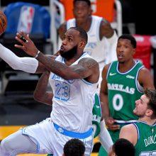 Kalėdinis NBA spektaklis – L. Jamesas nukovė L. Dončičių