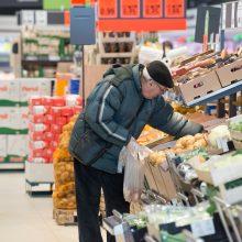 Specialios sąlygos senjorų apsipirkimui: kaip elgsis didieji prekybos tinklai?