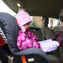 Italijoje bus privalomos automobilinės kėdutės su specialiais davikliais