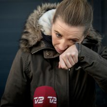Danijos premjerė ašarodama atsiprašė už prastą audinių krizės valdymą