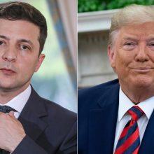 Baltieji rūmai: karinės pagalbos Ukrainai pristabdymas buvo įprasta procedūra