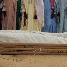 Ginkluoti motociklininkai kaime nužudė 18 vestuvininkų