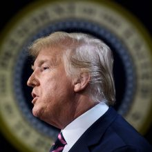 D. Trumpas po apkaltos siekia greito išteisinimo Senate