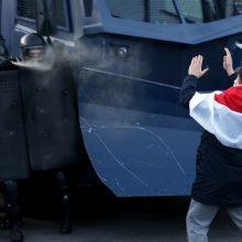 Iš Minsko – pranešimai apie sužeistus protestuotojus