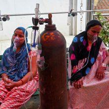Indijoje mirties nuo COVID-19 atvejų skaičius viršijo 200 tūkst.