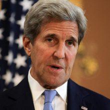 J. Kerry ragina JAV ir ES atnaujinti pastangas dėl klimato