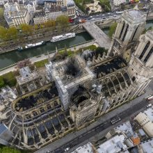 Lietuvos bažnyčia pradėjo rinkti aukas Paryžiaus katedros atstatymui