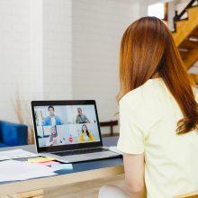 Apklausa: darbas iš namų labiausiai nusibodo moterims ir vyresniems gyventojams
