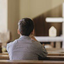 Tyrimas: Prancūzijos katalikų bažnyčioje pedofilijos aukų gali būti per 10 tūkst.