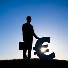 A. Izgorodinas: iki metų pabaigos euro zona gali panirti į defliaciją