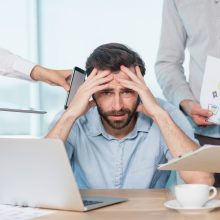 Darbo kodekso pataisos: mobingą siūlo įtraukti į šiurkščių pažeidimų sąrašą