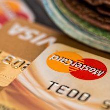 Bankai bekontakčio mokėjimo ribą didina iki 50 eurų