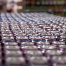 Pernai lietuviai alkoholio pirko mažiau