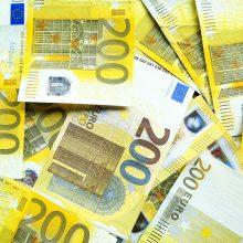 Latvijos vyriausybė patvirtino 200 eurų išmokas pensininkams ir neįgaliesiems