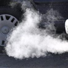 Seimo valdantieji grįžta prie pirmos taršių automobilių mokesčio versijos