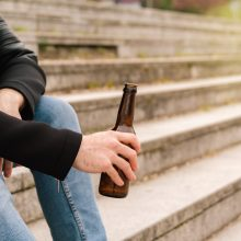 V. Mitalas 18–19-mečiams siūlo leisti vartoti ir stiprų alkoholį