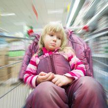 Kaip išvengti vaikų keliamų scenų parduotuvėje?