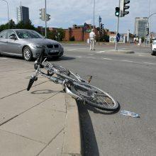Įsibėgėja dviračių sezonas: ką svarbu žinoti norint važiuoti saugiai?