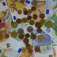 Vyriausybė skirs daugiau nei 370 mln. eurų verslui, apsaugos priemonėms