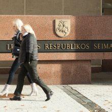 Siūloma reguliariai skelbti duomenis apie išduotus leidimus į Seimą