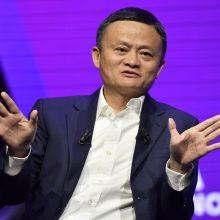 """Atsistatydina """"Alibaba"""" įkūrėjas ir valdybos pirmininkas"""