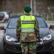 Policijai savaitgalį budėti kelių blokavimo postuose padės daugiau nei 300 šaulių