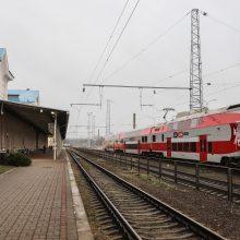 Keliaujantiems traukiniais galimybių paso nereikės