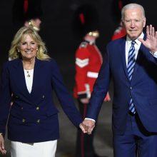 Pirmą J. Bideno ir B. Johnsono akistatą temdo Šiaurės Airijos šešėlis