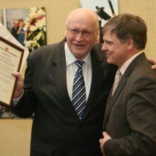 Mirė žurnalistas J. D. Ručinskas