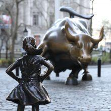 """Volstrito """"Bebaimės mergaitės"""" skulptūra stovės iki 2018-ųjų"""