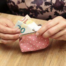 Ministerija: gyventojai, turintys teisę gauti piniginę socialinę paramą, ja nepasinaudoja