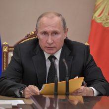 V. Putinas žada simetrišką atsaką į JAV raketos bandymą