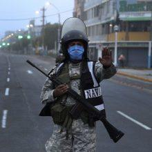 Lotynų Amerikos šalys dėl koronaviruso pandemijos uždaro sienas