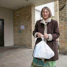 Vilniaus savanorių pagalba senjorams: nuo maisto ir vaistų – iki emocinės paramos