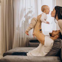 """Gera žinia dėl """"mamadienio"""" ir vieną vaiką auginantiems tėvams"""